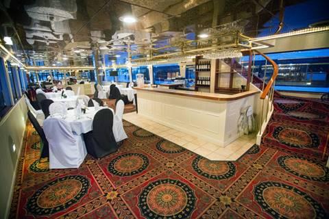 Pinot Nior Interior Photo